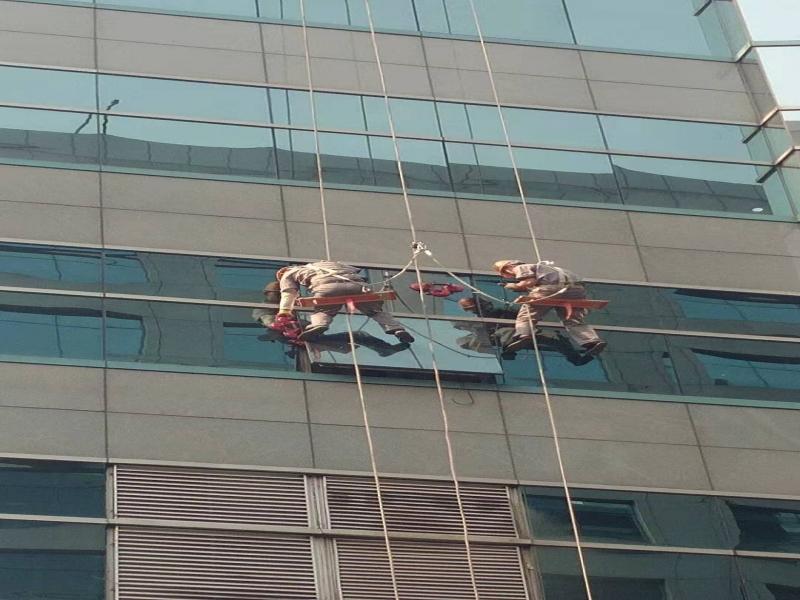 隐框幕墙维修 高空换玻璃
